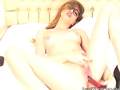 Unpredictable intensify Milf toys her pussy on webcam
