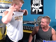 Gay straighties bumfucking during workout