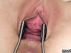 Flirty czech sweetie opens up her spread crack to the experimental