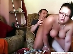 Ronni and hammer away BBW Ariane have a fuck on hammer away armchair