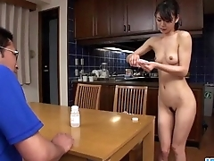 Akubi Yumemi really loves cracking her twat on cam