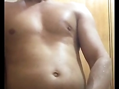 I love to piss on myself think of fucking my colombian girl