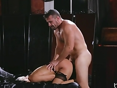 Sweltering blonde in stockings has will not hear of pussy nailed hard