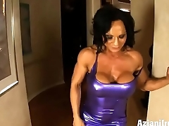 HD Glum Rhonda muscle babe flexes not far from than just her muscles