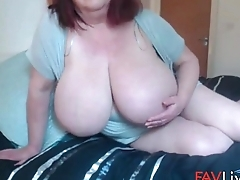 Fuck my British mega mature natural 40kk tits!