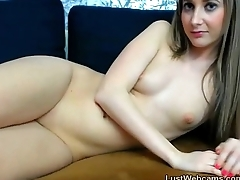Webcam hottie plays back her shaved pussy
